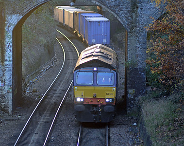 Runnning about an hour late the 4L48 Daventry to Purfleet intermodal approaching Ormond Road, N19 just after 15:00