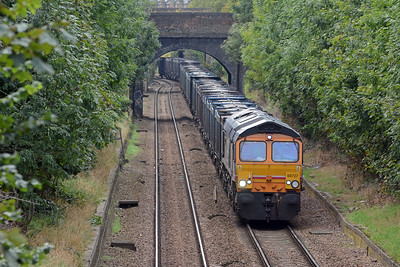 Finally, on my way home for a late lunch, 66727 Andrew Scott CBE approaching Crouch Hill on the 4E19 Mountfield to Peterborough and still wearing First Group barbie livery.