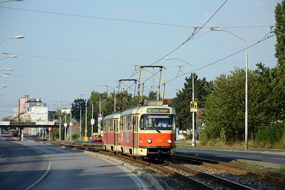 Another no. 4 having just ducked under the lines to Bratislava-Nové Mesto station. A Karlova Ves bound no.4 heads south.