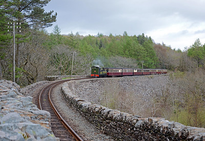 Cei Mawr embankment is the largest free standing dry stone embankment in Europe. Lyd crosses at just after 18:00 on the last train of the day from Blaenau Ffestiniog.