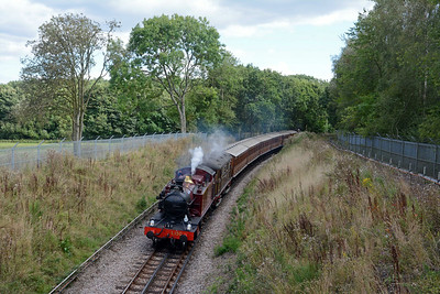 The skies brightened for the 15:51 departure from Rickmansworth, again with L150 and saragh Siddons leading.