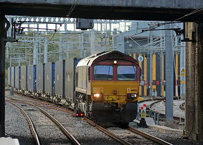 A diversion on account of the Watford blockade, 66182 on the 4O57 Hams Hall to Dollands Moor come off the Hertford Loop at  Alexandra Palace. I'm rather glad that most of this long train was invisible as most flats were carrying fresh air.