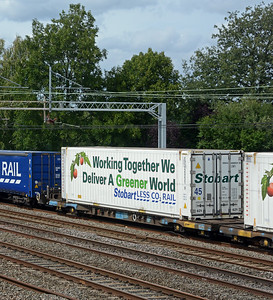 It carried two 45' Stobart reefers.